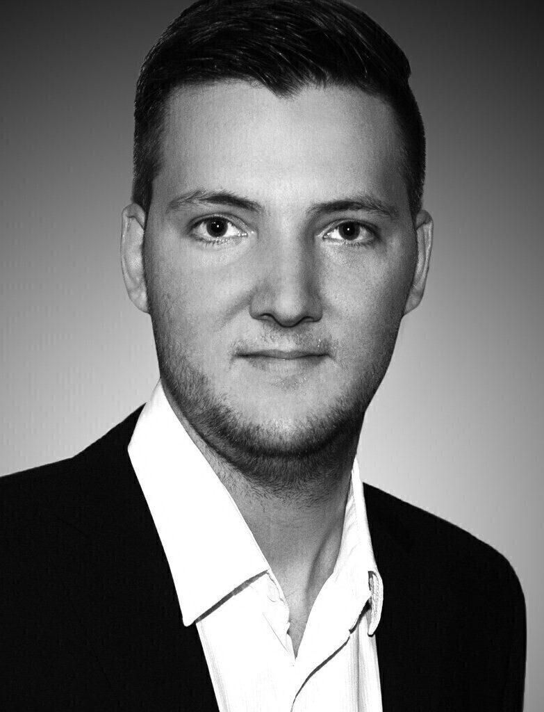 Alexander Steiner aus Marl bietet Online Marketing Dienstleistungen an.
